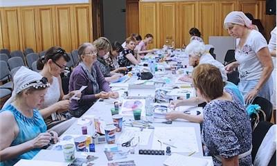 В Екатеринбургской епархии прошли краткосрочные курсы изобразительного и декоративно-прикладного творчества для преподавателей воскресных школ.