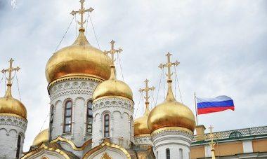 Церковь, государство, общество , флаг России, Кремль