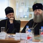 Митрополит Ростовский и Новочеркасский Меркурий (Иванов), игумен Митрофан (Шкурин)
