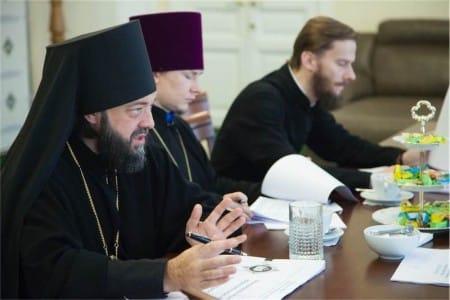Игумен Митрофан (Шкурин), протоиерей Александр Прытков, иеромонах Геннадий (Войтишко)