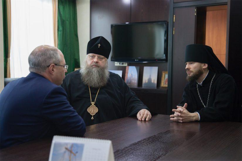 Митрополит Ростовский и Новочеркасский Меркурий, иеромонах Геннадий (Войтишко), Сергей Гаврилов
