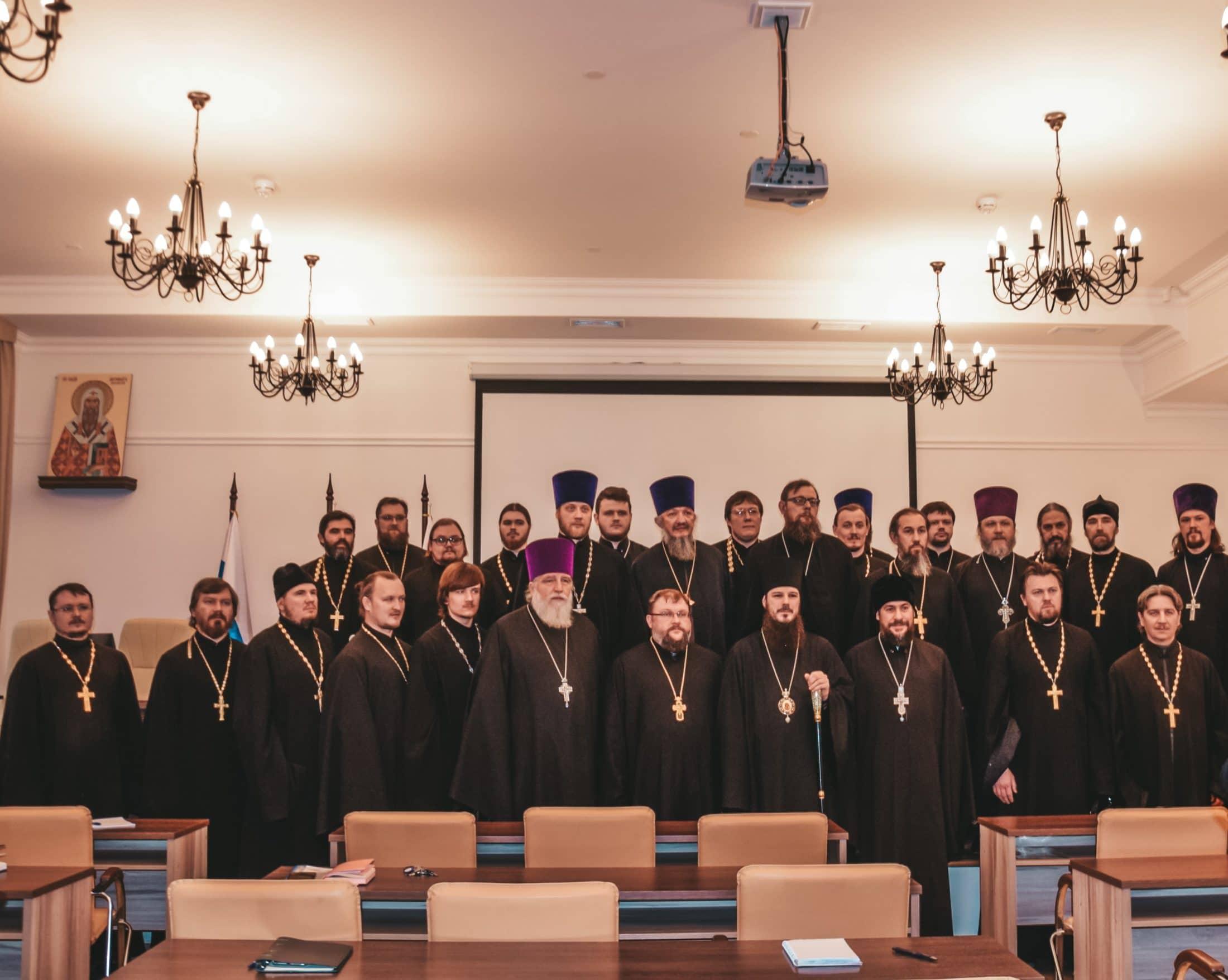 Стартовали курсы профессиональной переподготовки педагогов-священнослужителей в Тольятти