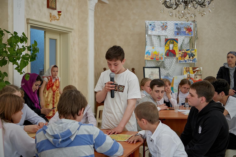 В Махачкале прошел брейн-ринг среди воспитанников воскресных школ епархии, приуроченный к 800-летию со дня рождения благоверного князя Алек