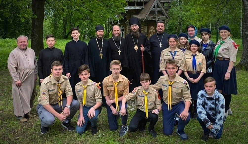 Молодёжь Череповецкой епархии летом трудится и отдыхает